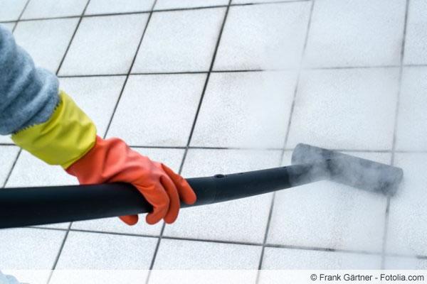 Fliesenfugen reinigen - das hilft wirklich beim Säubern - Talu.de