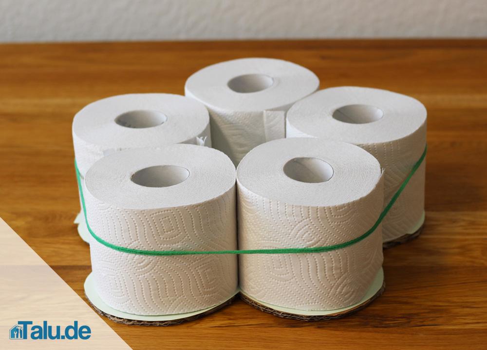 anleitung klopapiertorte selbst basteln diy toilettenpapiertorte. Black Bedroom Furniture Sets. Home Design Ideas