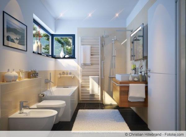 Tipp aus der Praxis: mit Mikrofasertüchern lässt sich die Dusche einfach reinigen.