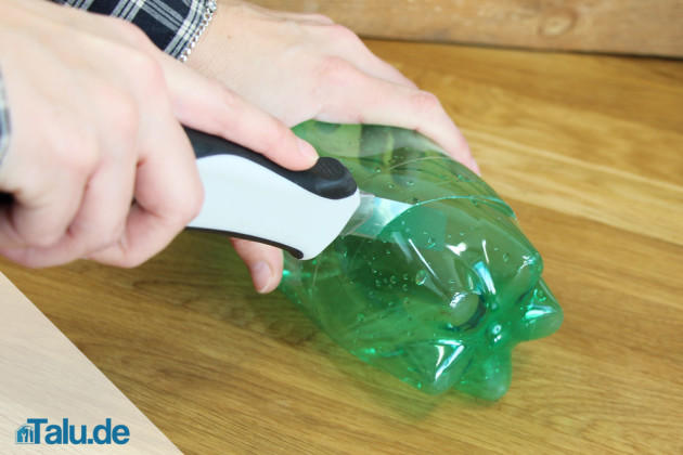 Plastikflasche zuschneiden