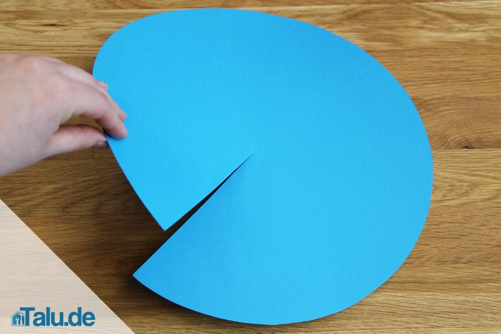 papierhut falten aus zeitung bzw tonpapier basteln. Black Bedroom Furniture Sets. Home Design Ideas