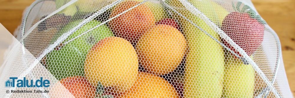 Das Obst durch ein Netz schützen