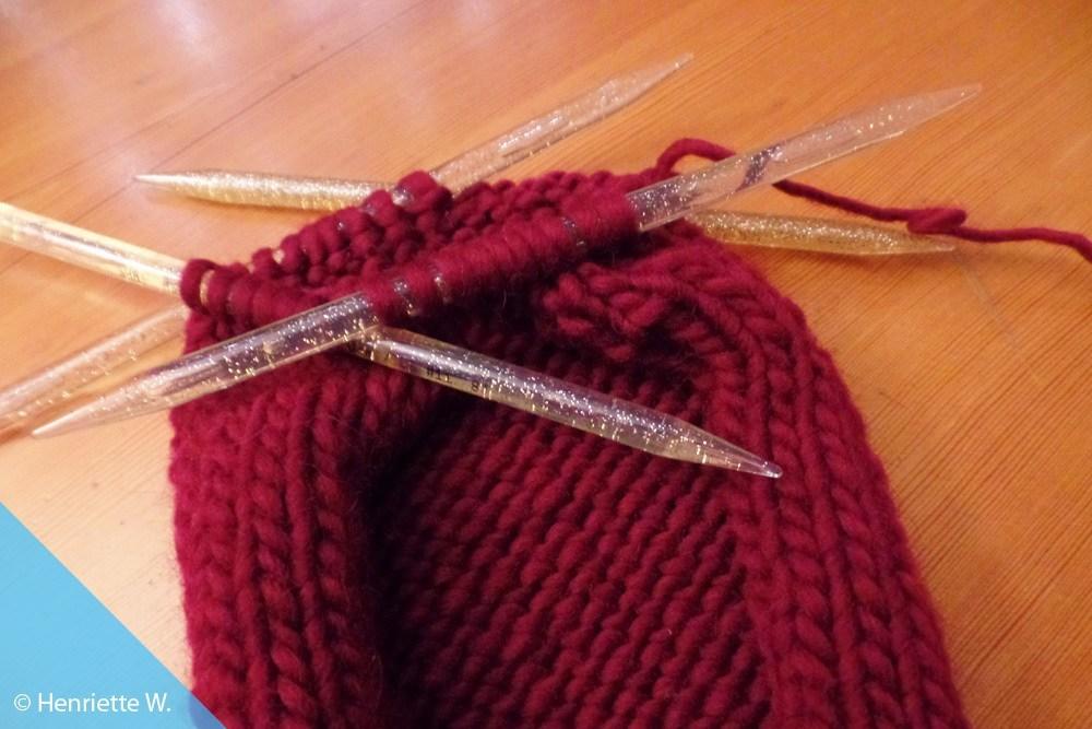 filzschuhe-stricken-nadelspiel