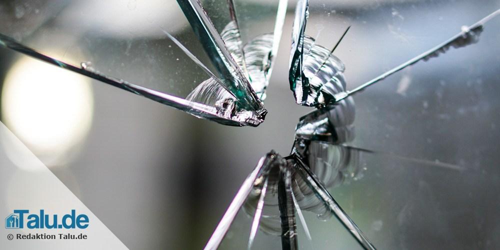 Einfache Glasscheibe zerbrochen