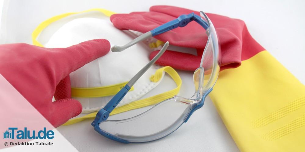 Schutzhandschuhe, Atemschutz und Schutzbrille