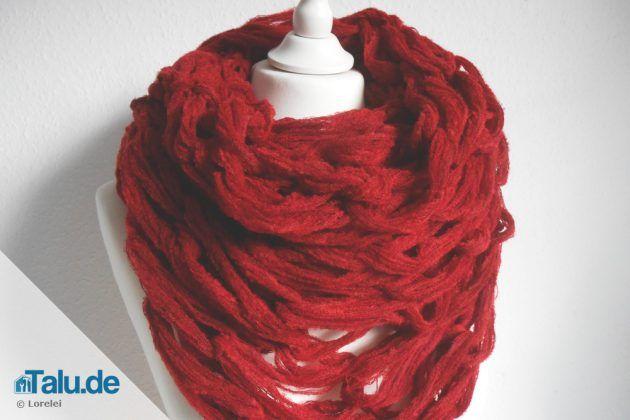 Loop-Schal mit Patentmuster