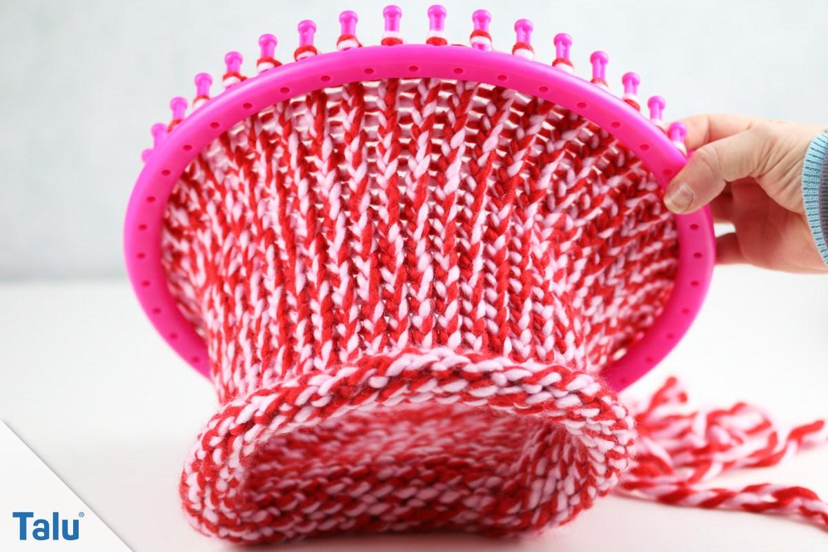 Loop-Schal gestrickt auf dem Strickring