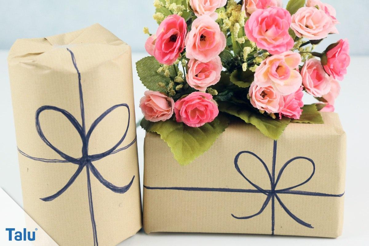 Geschenkverpackung dekorieren