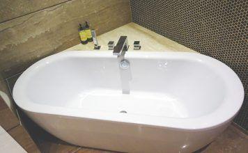 Kratzer in Acryl-Badewanne reparieren