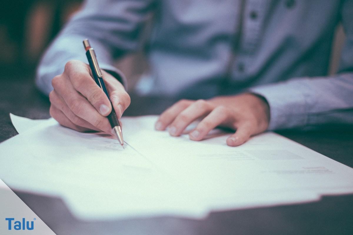Kaufvertrag unterzeichnen