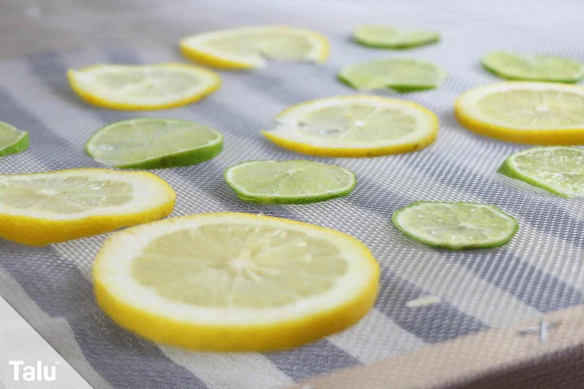 Limettenscheiben trocknen