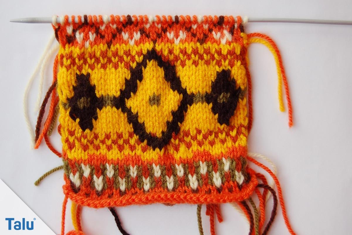 Ethno Muster stricken, nach 33 Reihen