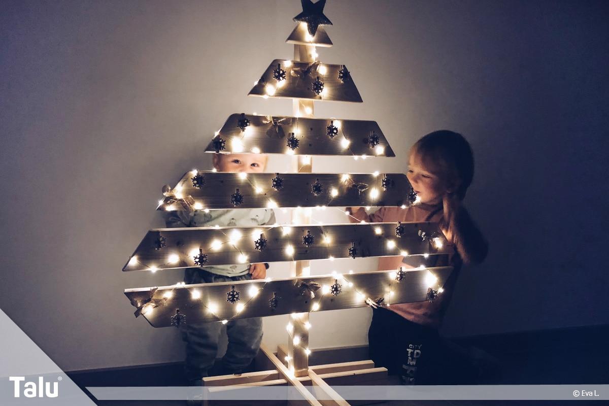Adventskalender für Kinder, Adventskalender-Baum mit LED-Beleuchtung