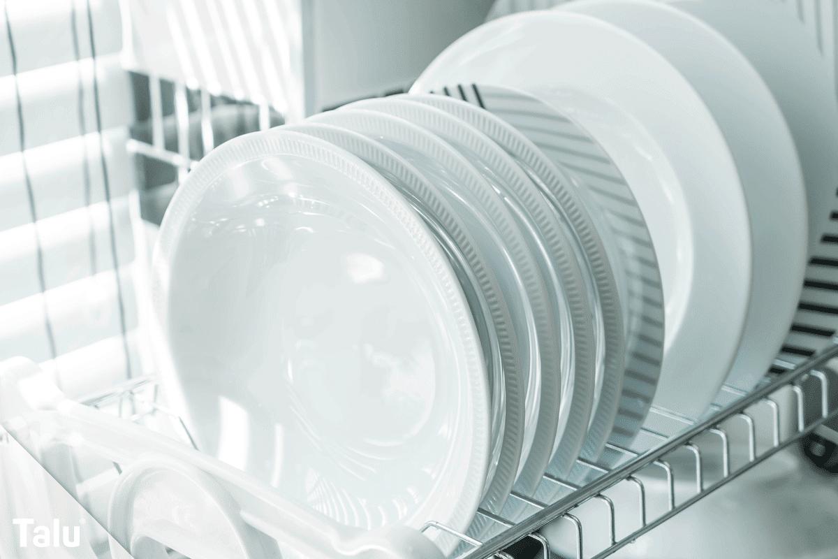 Geschirrspüler, Schlieren und Beläge, sauberes Geschirr aus Geschirrspüler