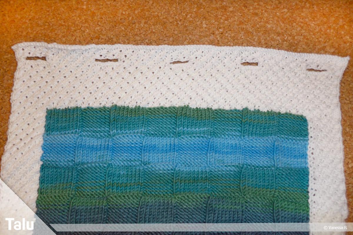 Kissenhülle stricken, gestrickte Knopflöcher