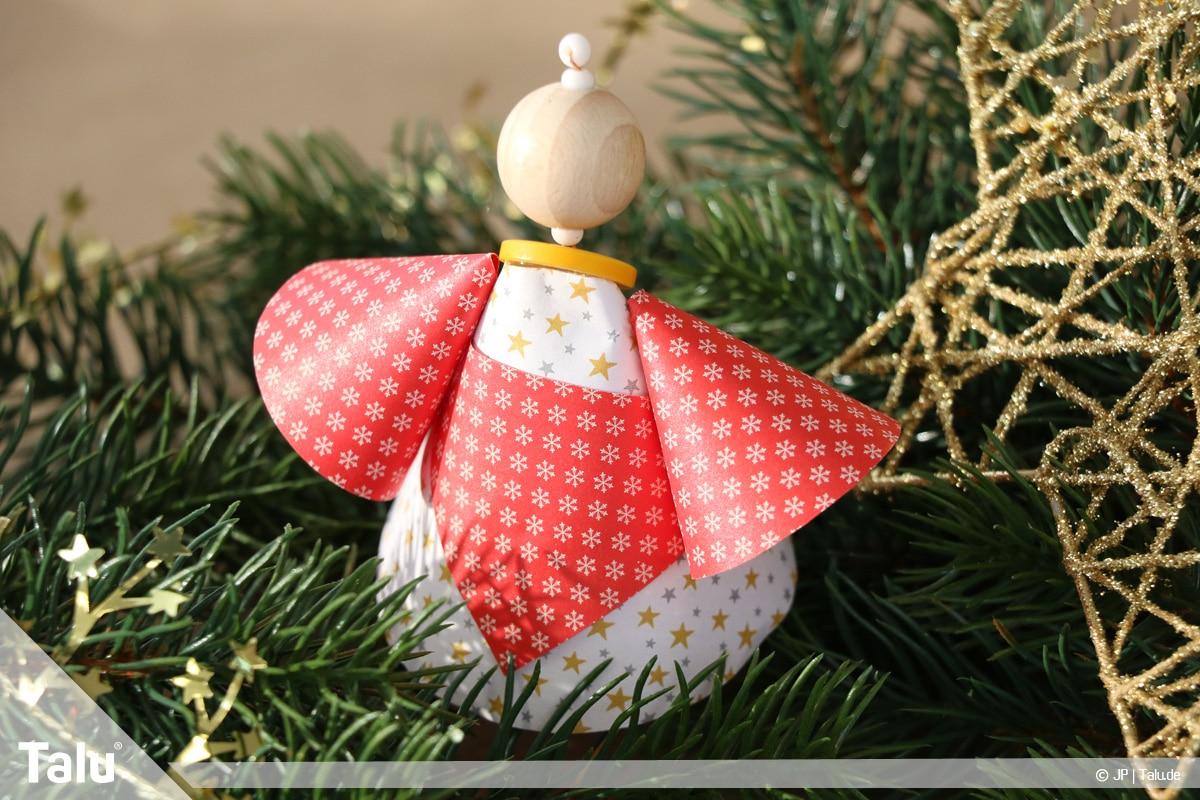 Weihnachtsengel basteln, Weihnachtsengel aus Papierkegeln