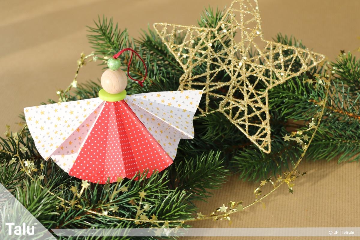 Weihnachtsengel basteln, Variante 2, fertig gebastelter zweiter Weihnachtsengel