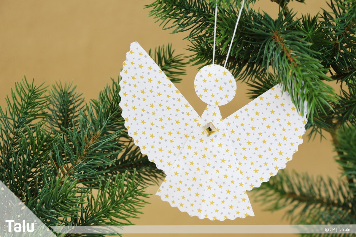 Weihnachtsengel basteln, Variante 3, fertiger dritter Weihnachtsengel