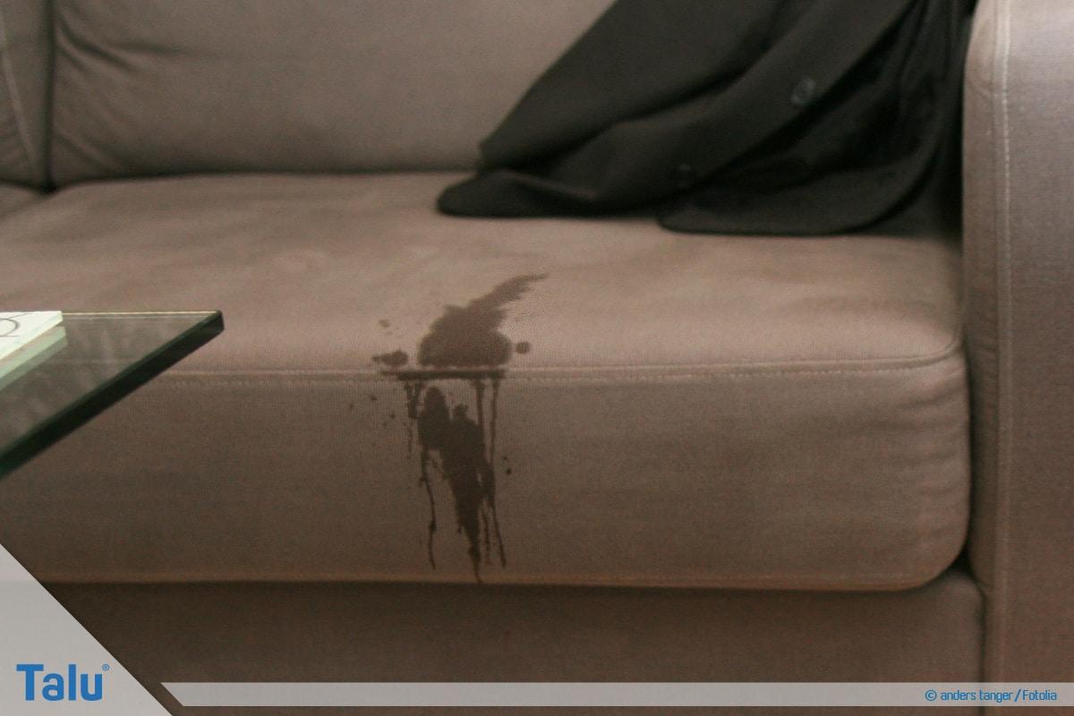 Wasserflecken von Sofa entfernen, Wasserfleck auf Sofa