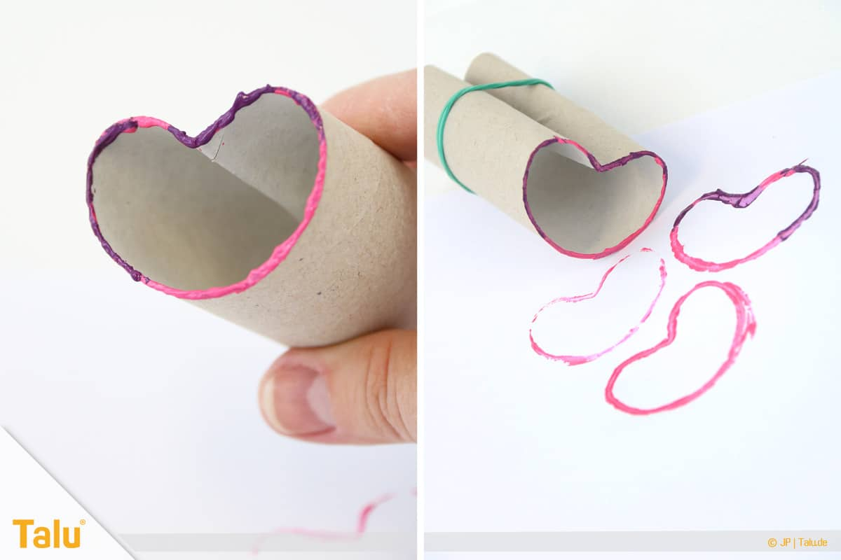 Herz basteln, Herzstempel aus Papprolle, zweifarbiger Herzstempel