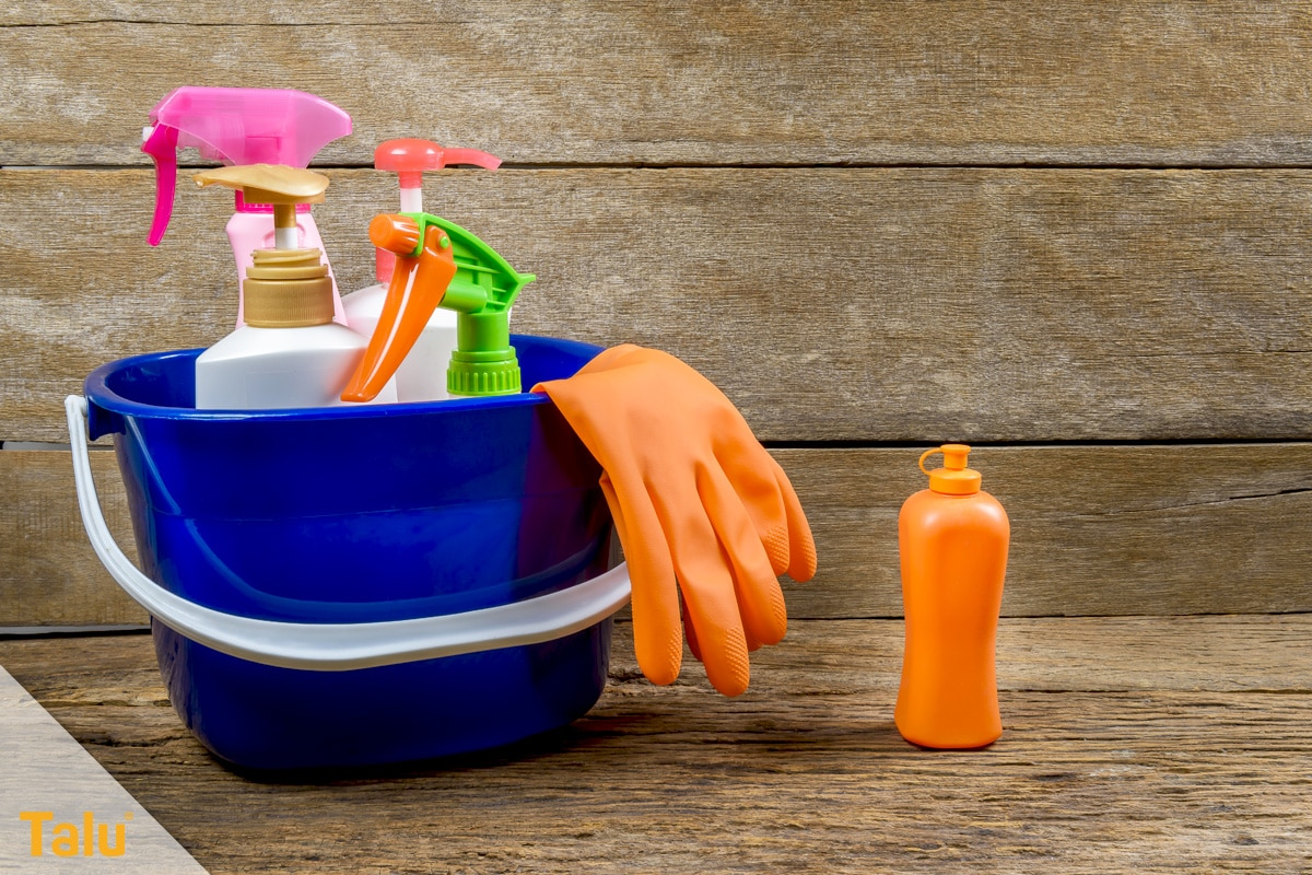 Duschkabine abdichten, Reinigungsmittel