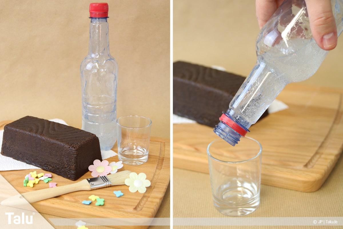 Essbaren Kleber selber machen, CMC-Kleber, Flasche mit Kleber öffnen