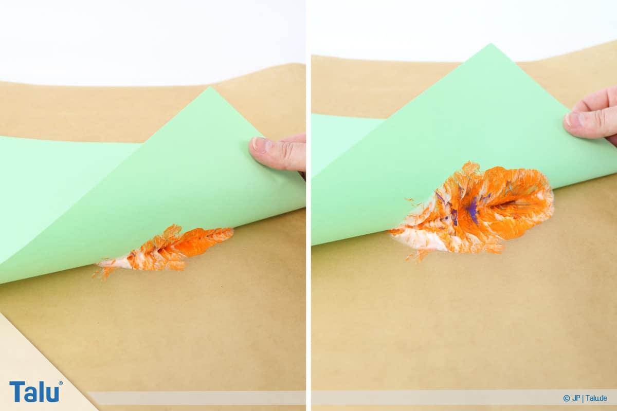 Malen mit Rasierschaum, Papier auf Schaum, Papier wieder abnehmen