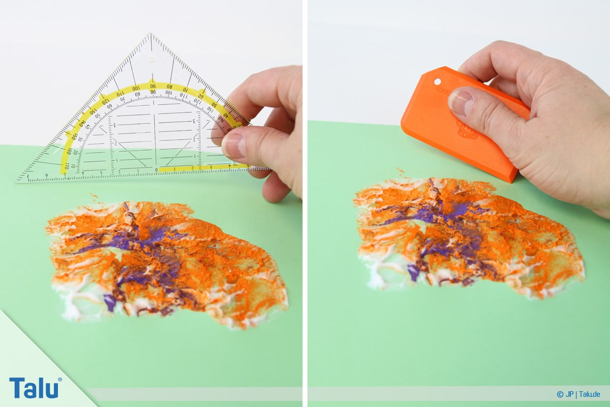 Malen mit Rasierschaum, Papier auf Schaum, restlichen Schaum entfernen