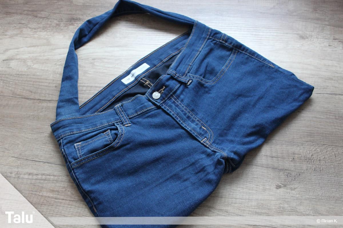 Upcycling Jeans, fertig genähte Tasche mit Schulterriemen