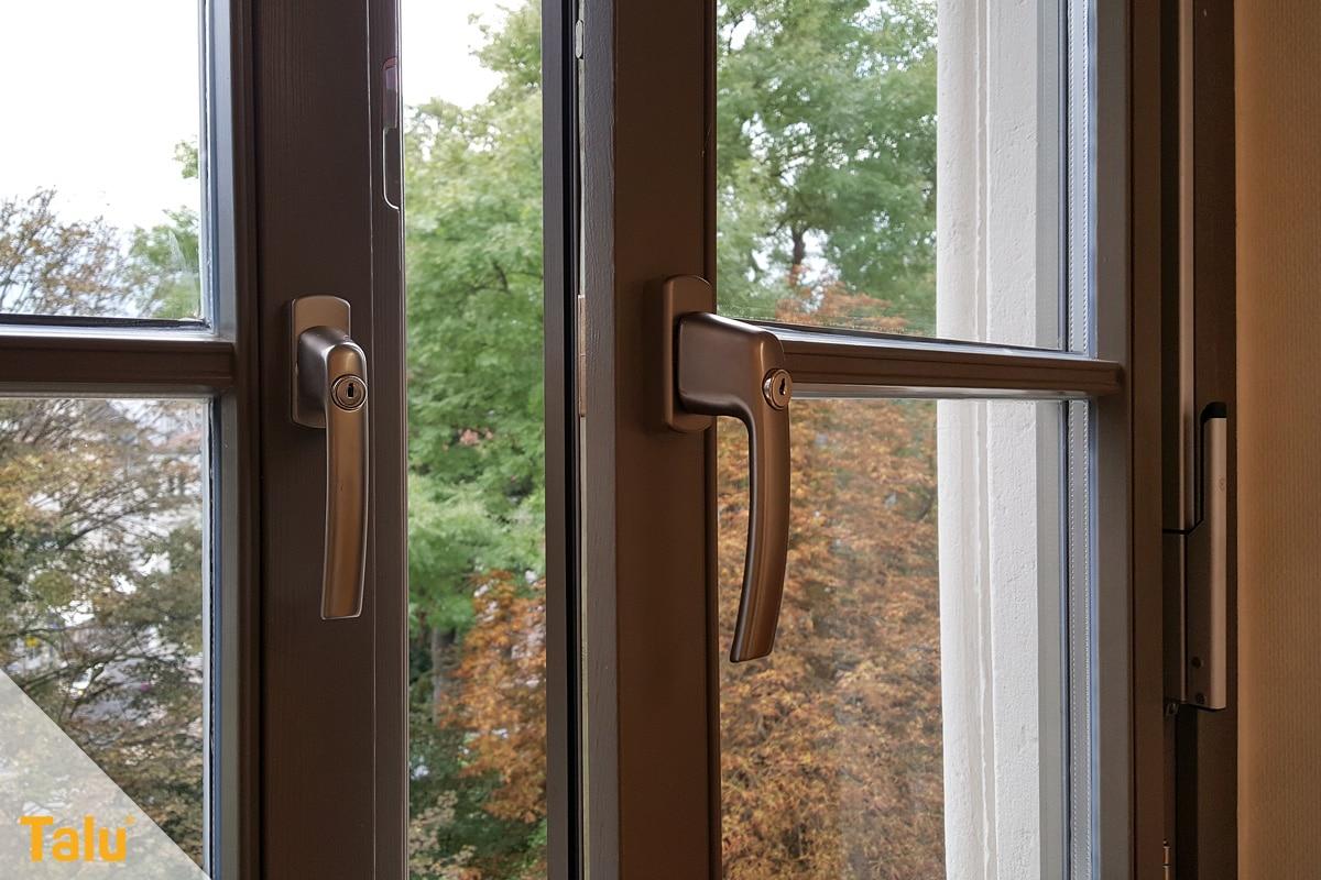 Fensterrahmen abdichten, mit verschiedenen Methoden