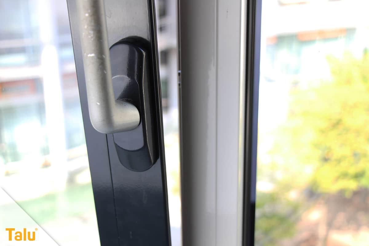 Fensterrahmen abdichten, Fenster gekippt