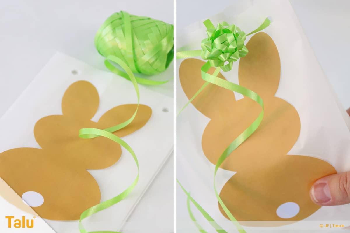 Oster basteln, Geschenktasche aus Butterbrottüte, Geschenkband und Schleife anbringen