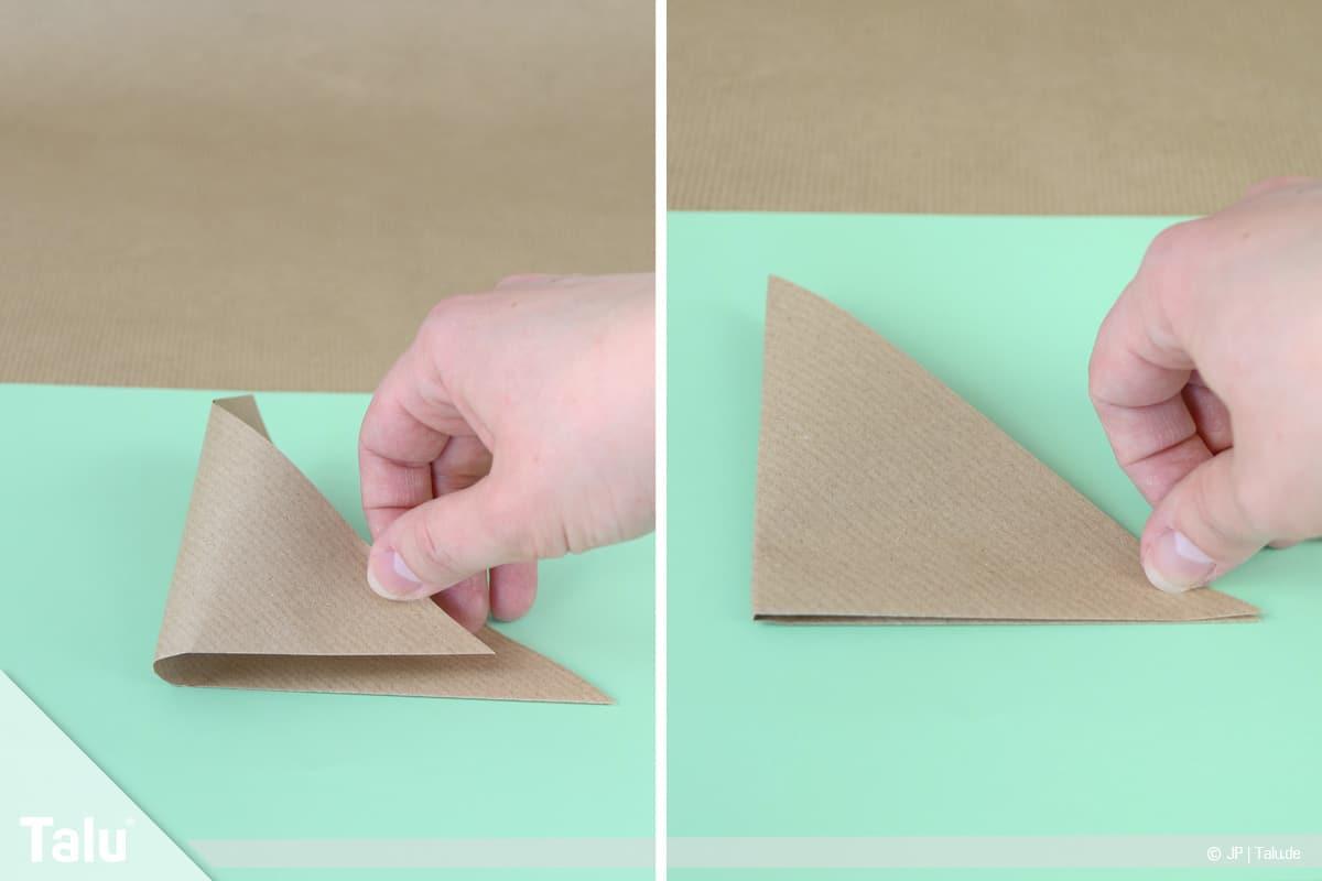 Osterhase basteln, Variante Hasengesicht, kleineres Dreieck entsteht