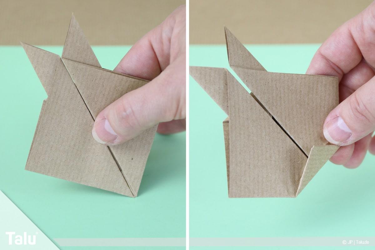 Osterhase basteln, Variante Hasengesicht, Dreieck auf Rückseite falten