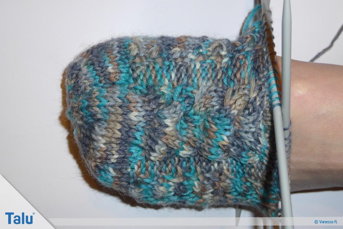 Socken mit Muster stricken, Überkreuzungen für Zopfmuster