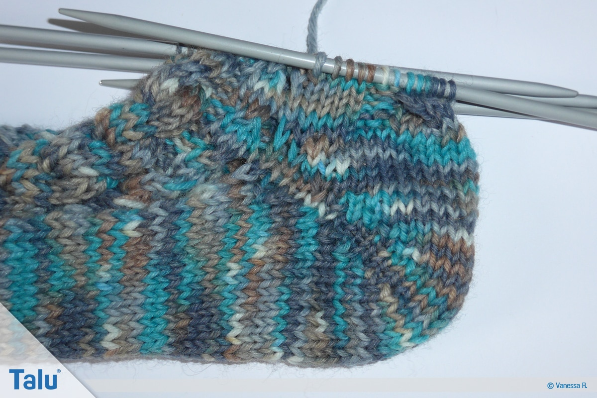 Socken mit Muster stricken, Bumerangferse stricken