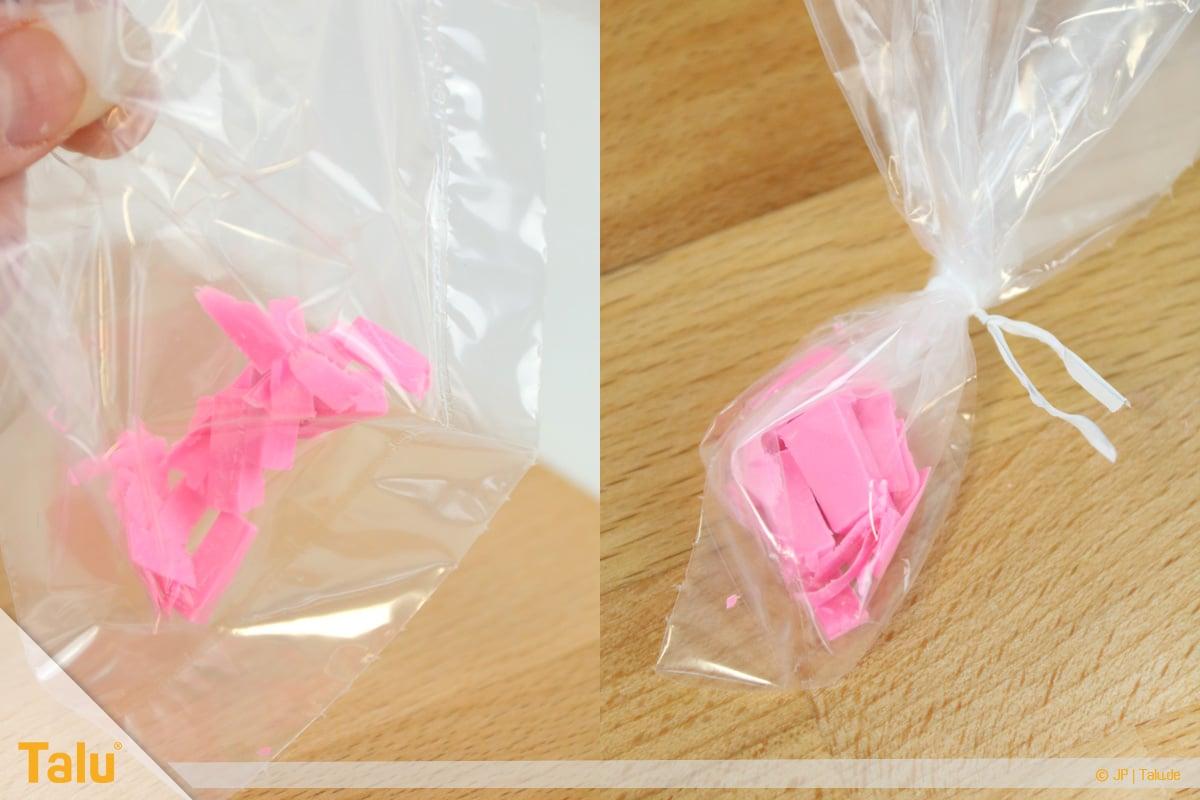 Trockenes FIMO wieder weich machen, FIMO-Knetmasse-Stücke im Beutel