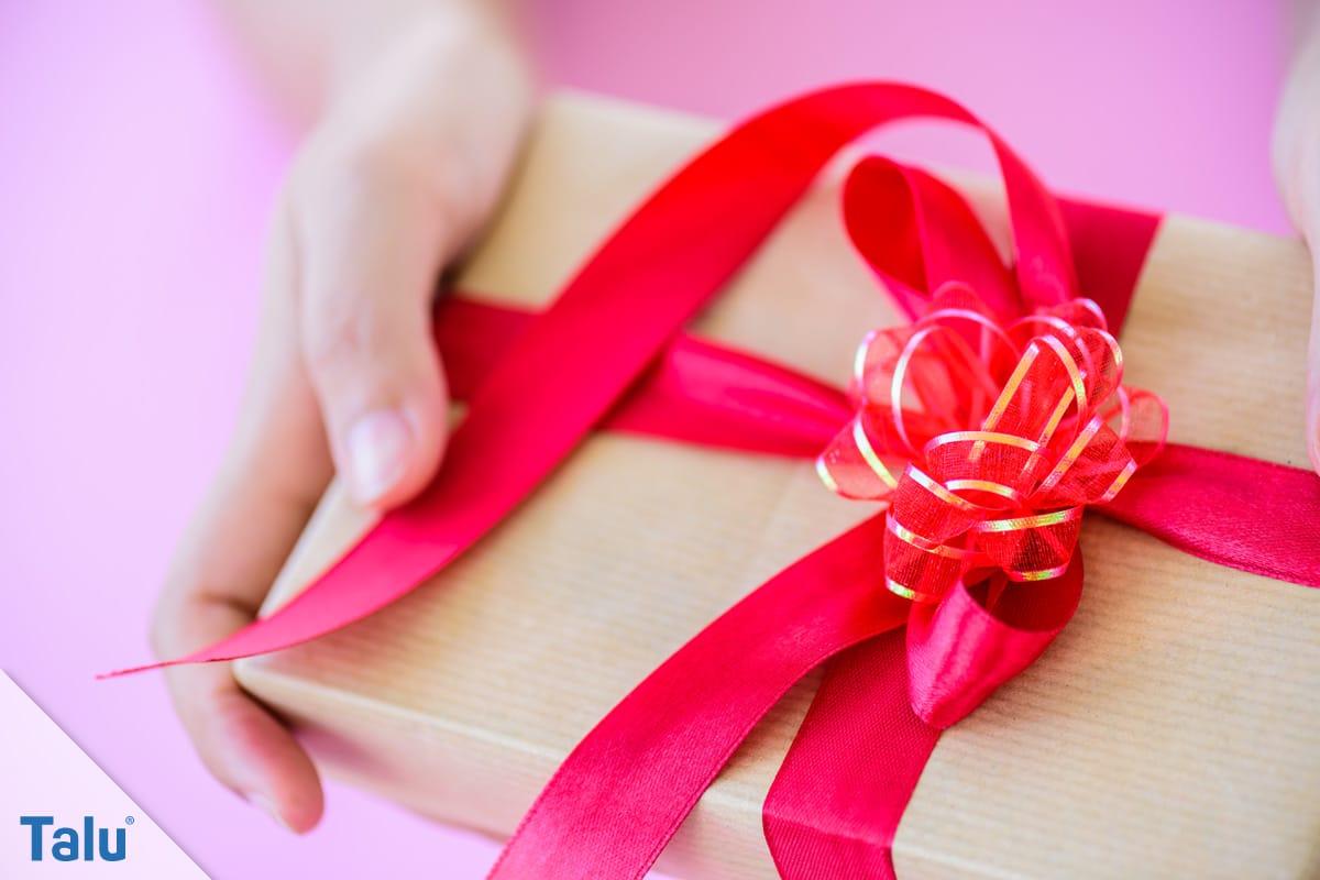 Einladungstext für Kindergeburtstag, Geschenk