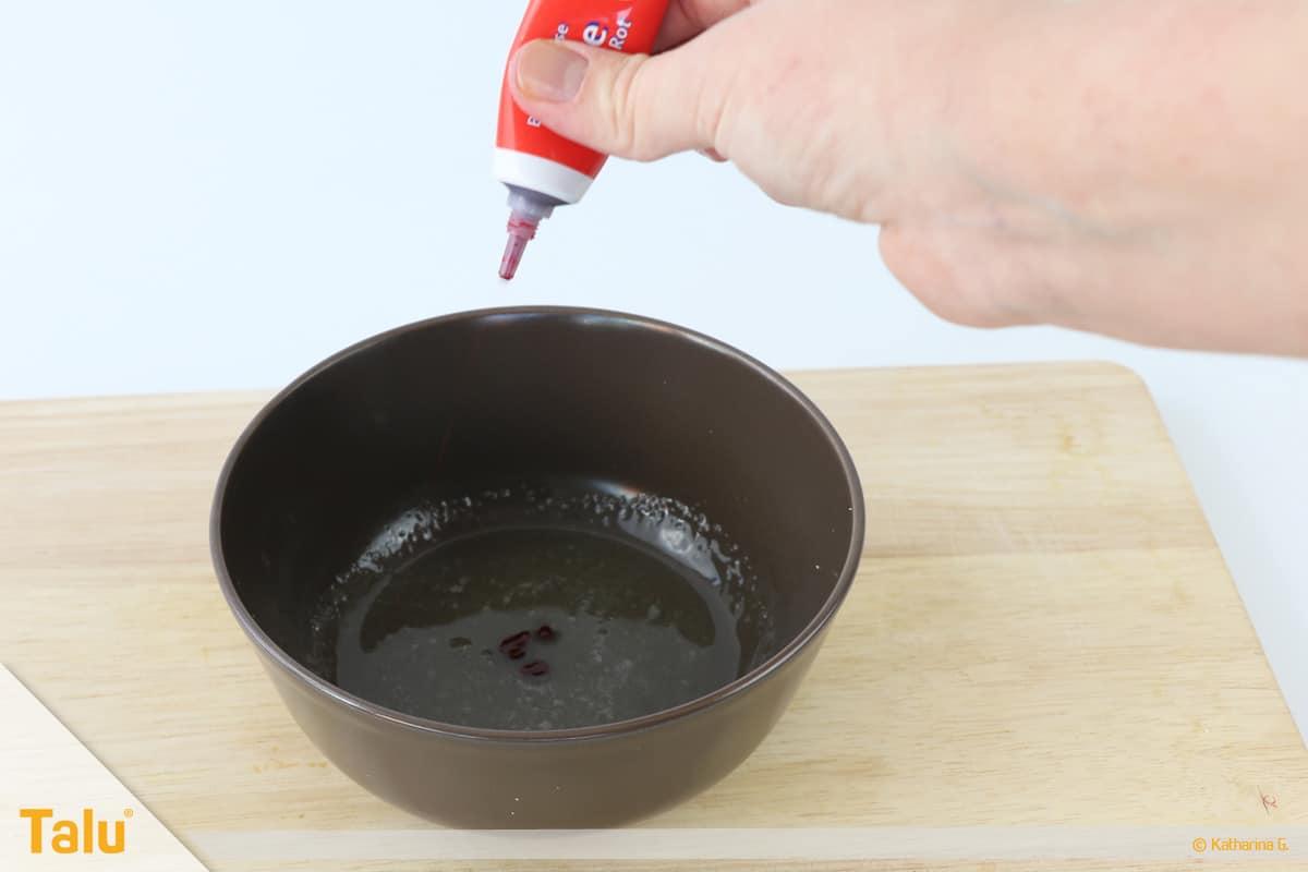 Essbarer Glitzer, Glitzerpulver, Variante mit Gelatine, Lebensmittelfarbe dazufügen