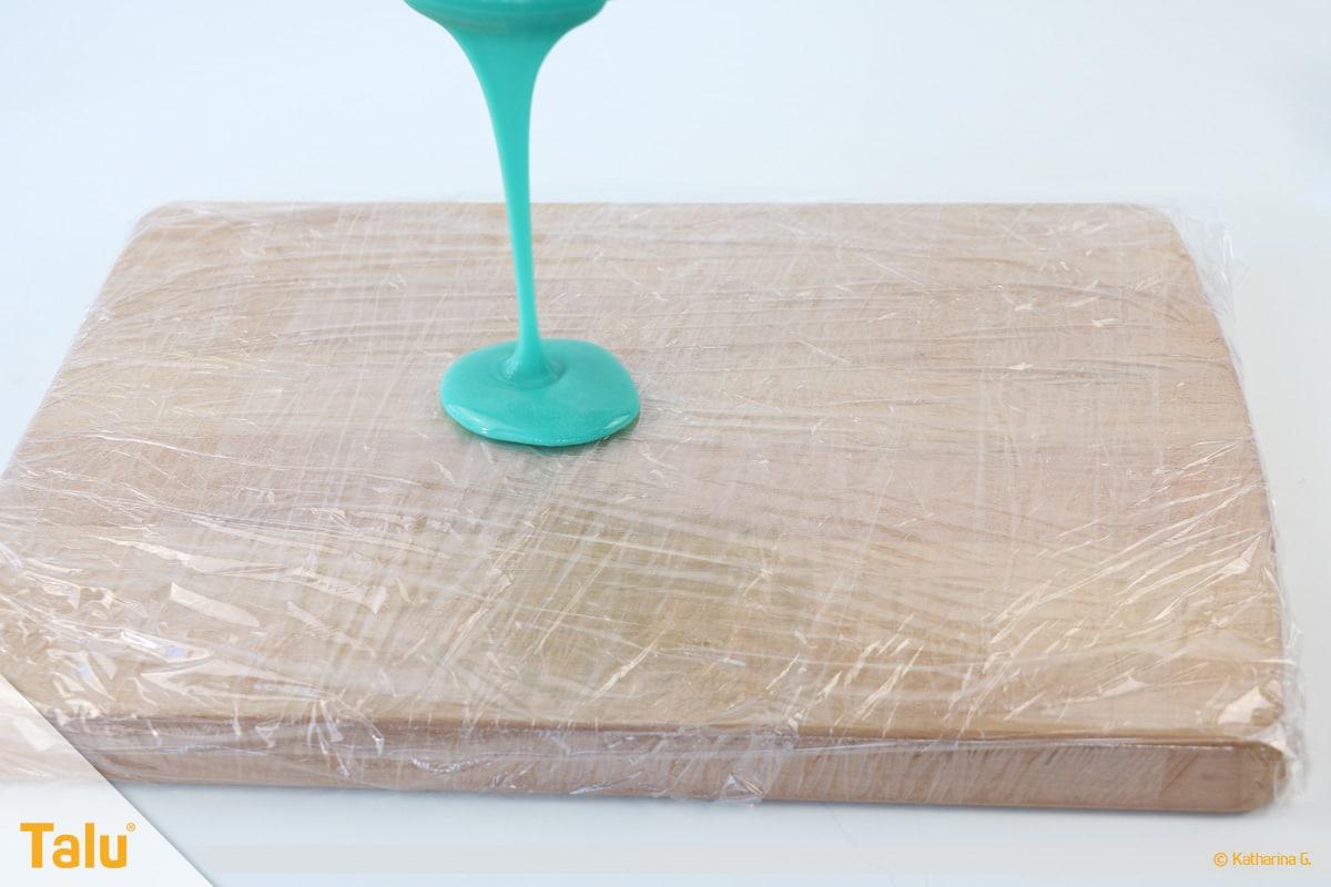 Essbarer Glitzer, Glitzerpulver, Variante aus Gummar, Gummar-Masse ausgießen