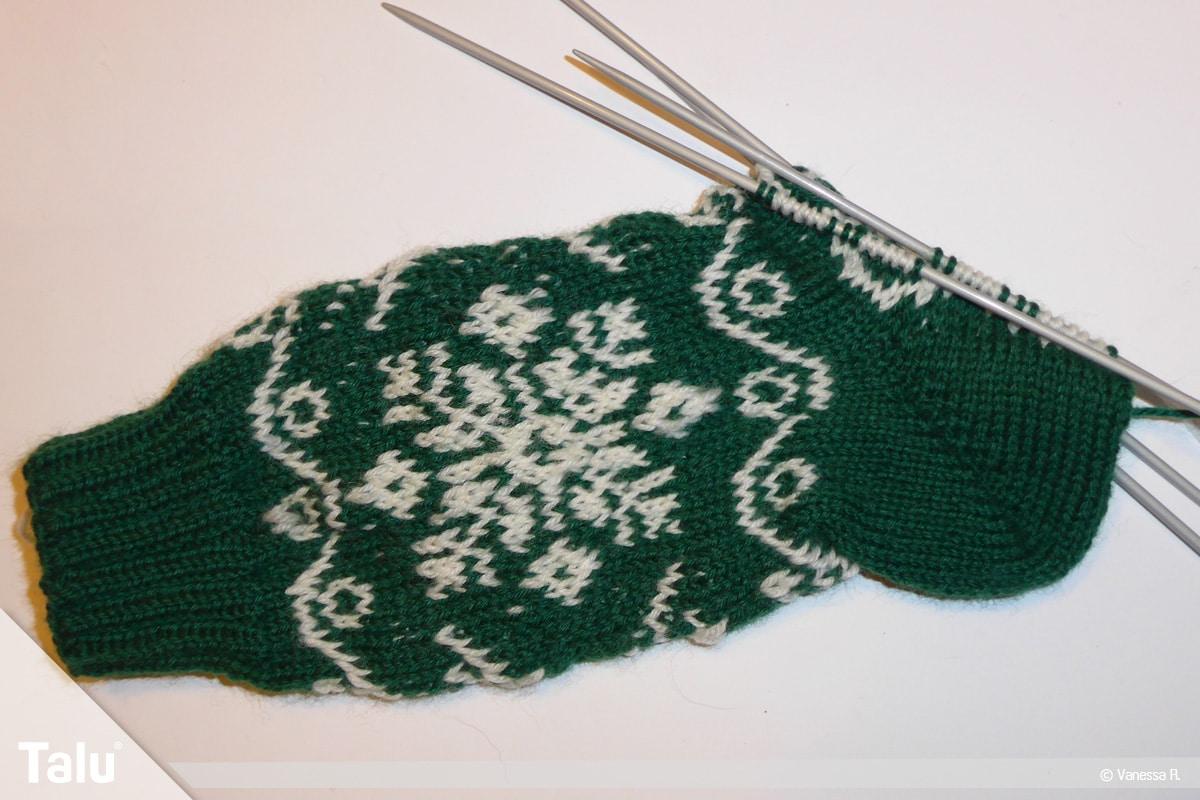 Gestrickte Socken, Norwegermuster, Ferse stricken