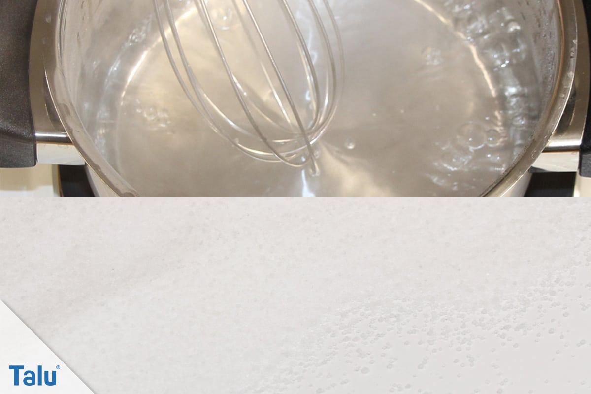 Inhalationslösung selber machen, NaCl-Lösung, Salz im Topf mit Wasser aufkochen