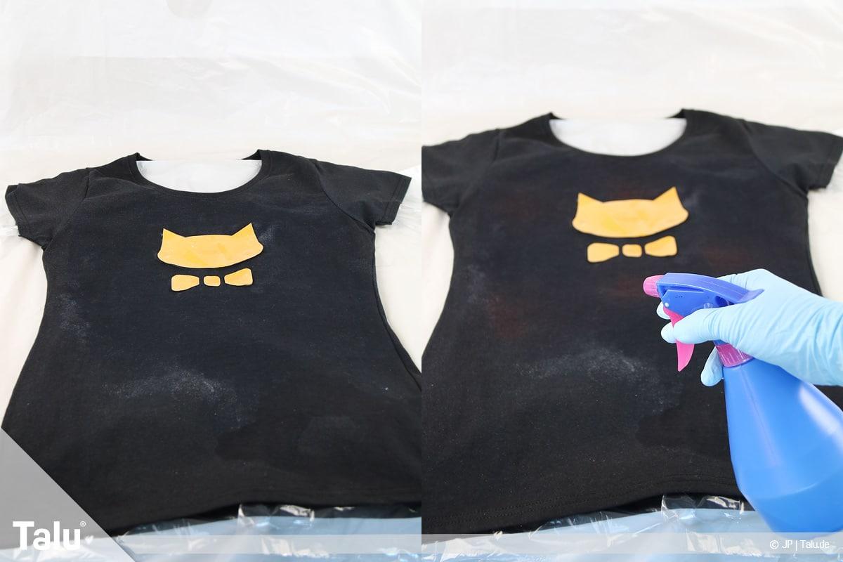 T-Shirt selbst bedrucken, mit Bleichmittel, Bleichmittel auf Shirt sprühen