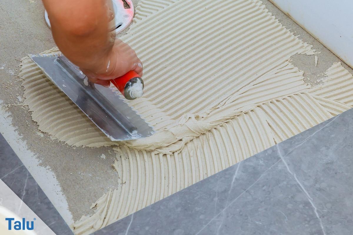 Terrakotta kleben, Terracotta-Töpfe reparieren, alternativ Fliesenkleber nutzen