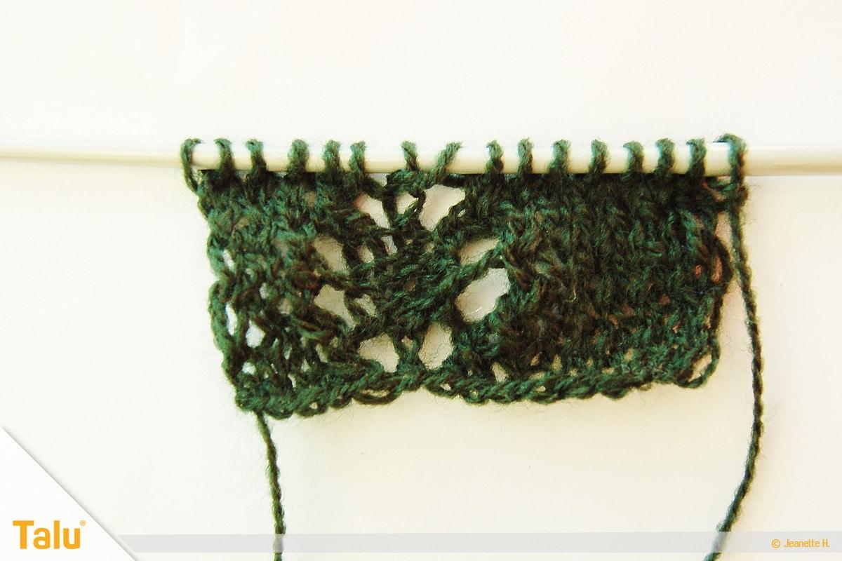 Wollreste verstricken, Teelicht-Hülle stricken, nach acht Reihen