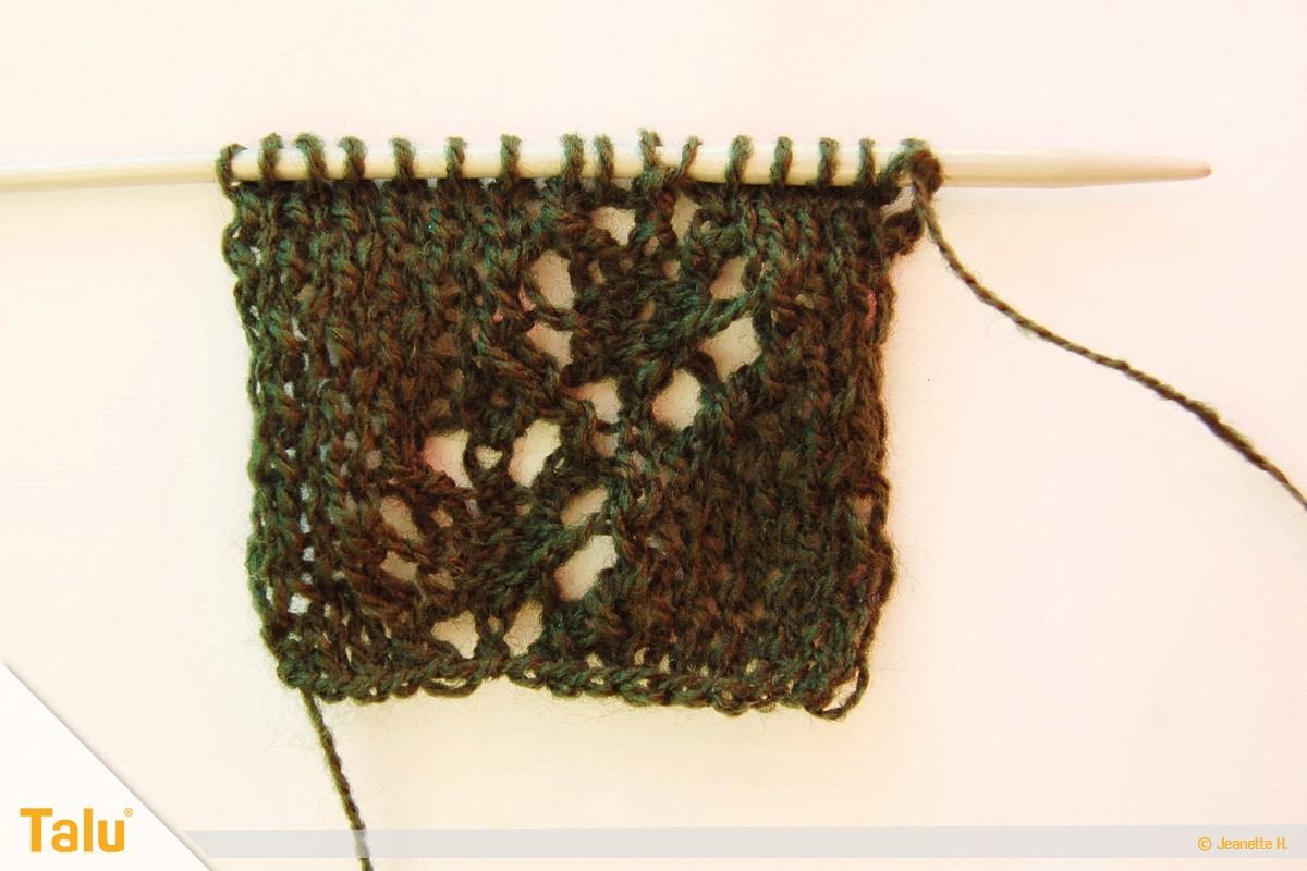 Wollreste verstricken, Teelicht-Hülle stricken, nach sechzehn Reihen
