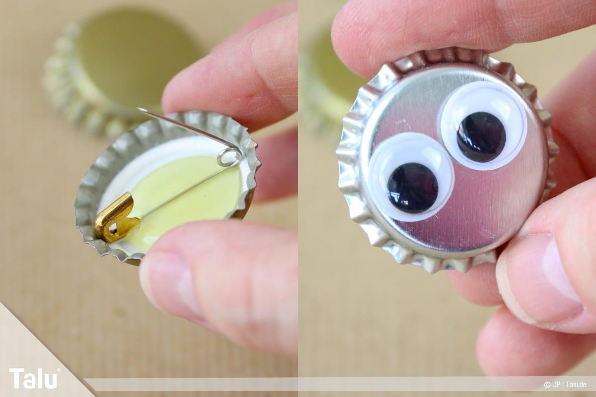 Basteln mit Kronkorken, Variante Buttons, fertiger Anstecker mit Wackelaugen
