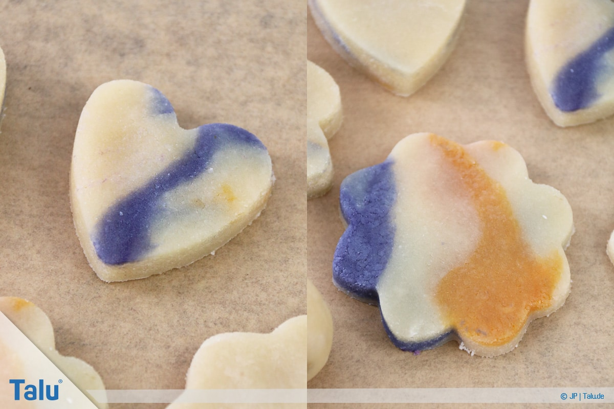 Marzipan färben, mit Lebensmittelfarbe gefärbtes Marzipan