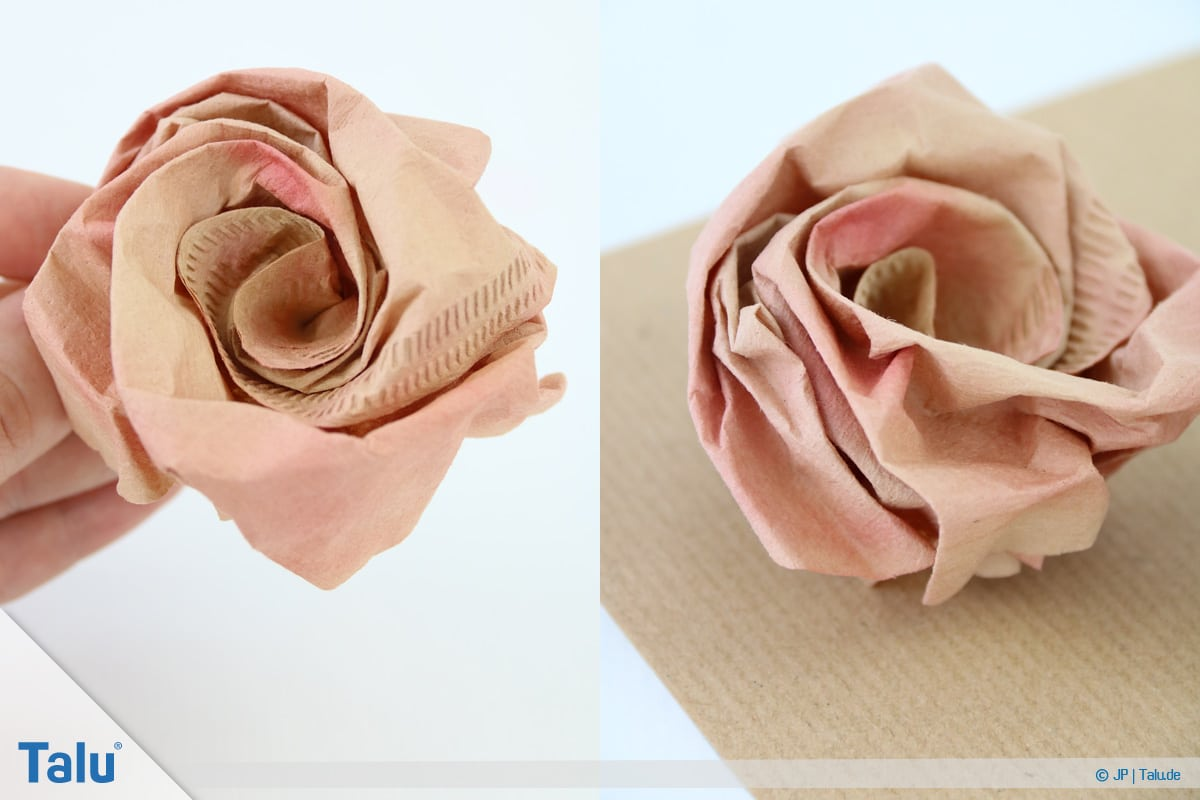 Papierrosen basteln, Anleitung, Papierrosen aus Filtertüten, fertige Rose aus Filtertüte