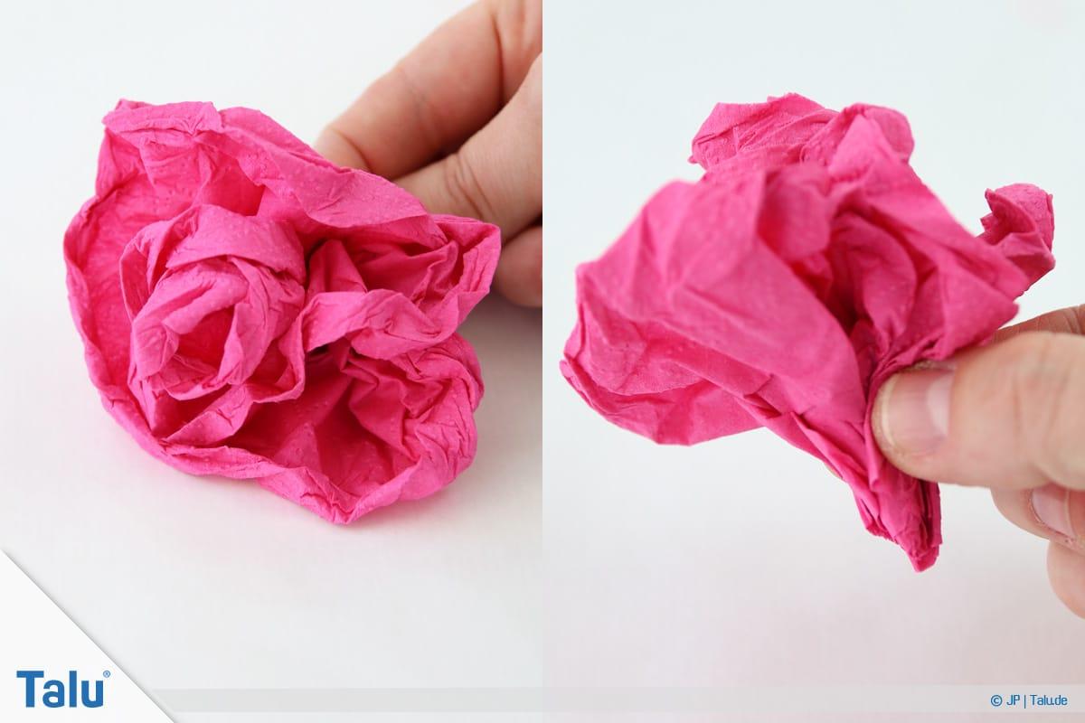 Papierrosen basteln, Anleitung, Papierrosen aus Servietten, Blütenstiel formen